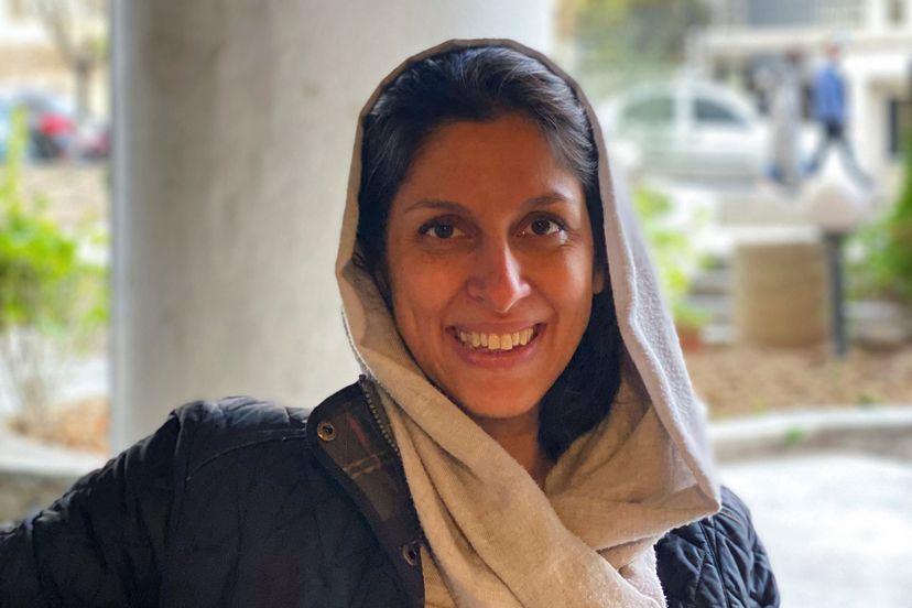 La iranobritánica Nazanin Zaghari-Ratcliffe, en casa de sus padres en Teherán, poco después de quedar en libertad a principios de marzo.