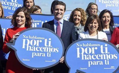 Casado, en un acto con candidatas autonómicas y municipales del PP este 7 de marzo.