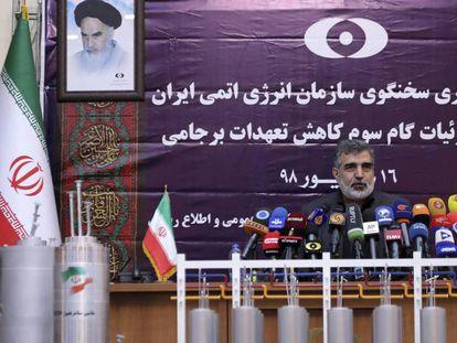 El portavoz de la Agencia Atómica de Irán, esté sábado en Teherán. En vídeo, el anuncio del presidente Rohani, el pasado miércoles.