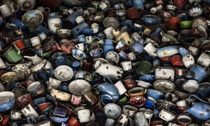 Cacharros de cocina de víctimas del Holocausto nazi conservados en el campo de exterminio de Auschwitz.