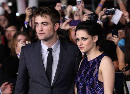 Robert Pattinson y Kristen Stewart, en Los Ángeles (California, Estados Unidos), en 2011.