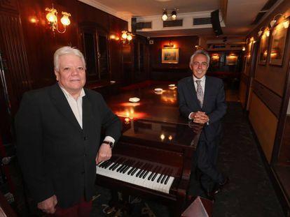 El pianista Jesús Serrano y César Tejero (derecha), en el Tony 2 en 2019.