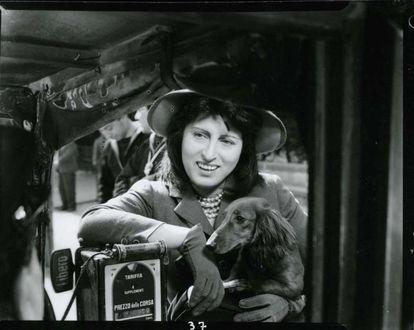 Anna Magnani, en 'Nosotras las mujeres', filme de 1953 dirigido por  Alfredo Guarini, Gianni Franciolini, Roberto Rossellini, Luigi Zampa y Luchino Visconti.