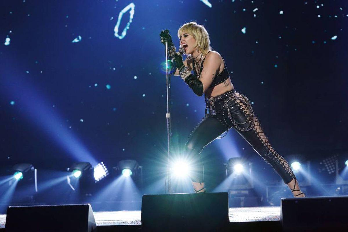 """Miley Cyrus sufre un ataque de pánico durante uno de sus conciertos: """"Es una situación terrorífica"""""""
