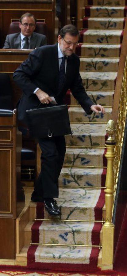 Mariano Rajoy sale de su escaño en el Congreso.