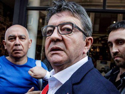 Mélenchon, este martes en París. En el vídeo, el líder de izquierda reclama a la policía.