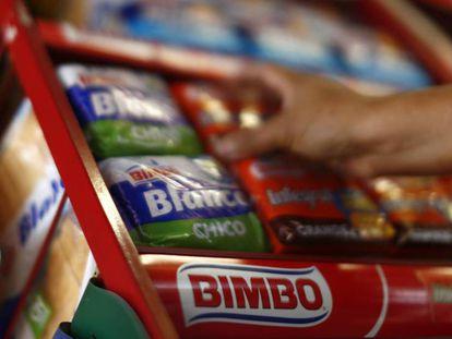 Estante de supermercado con pan de molde Bimbo. En vídeo, el impacto del 'procés' en la economía catalana.