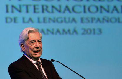 Mario Vargas Llosa habla en la Conferencia sobre la Lengua Española en Panamá, el pasado mes de febrero.