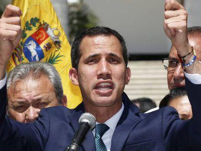 Juan Guaidó, este lunes durante una rueda de prensa en Caracas.