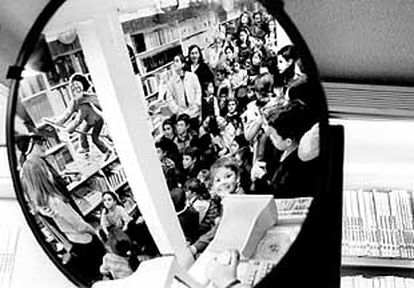 Aspecto de la librería Rayuela durante la presentación del último libro de Harry Potter, el viernes.