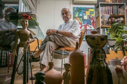 Valeriano Bozal, at home.