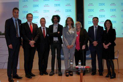 Álvaro Saavedra (IBM), Alberto Fernández (IBM), Juan Carlos Melo (Santander), Jaime García Cantero (El País Retina), Marisa Retamosa (CaixaBank), Elisabet Escayola (ASCOM), David Soto (IBM) y Nieves Delgado (IBM)