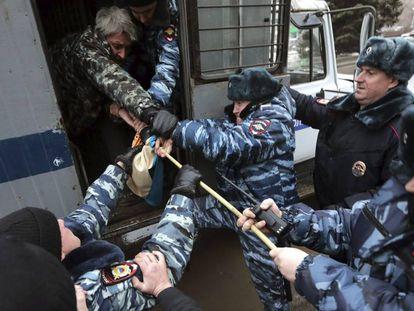 Manifestantes detenidos en Rusia