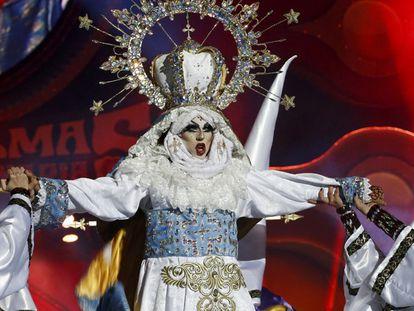 Drag Sethlas, durante el concurso de Drag Queen del Carnaval de Las Palmas de Gran Canaria.