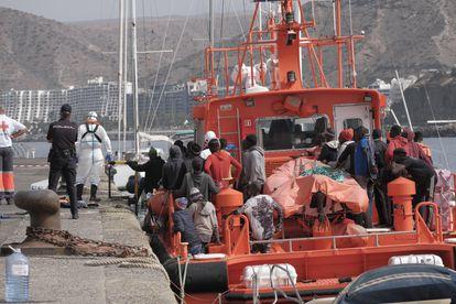 Los ocupantes de una patera llegada a las costas de Gran Canaria, el pasado 2 de agosto.