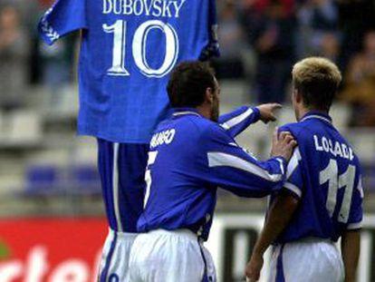 Oli dedica un gol al fallecido Duvovsky en 2000.