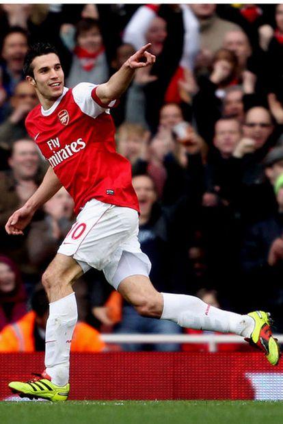 Van Persie celebra, el pasado sábado, un gol con el Arsenal.