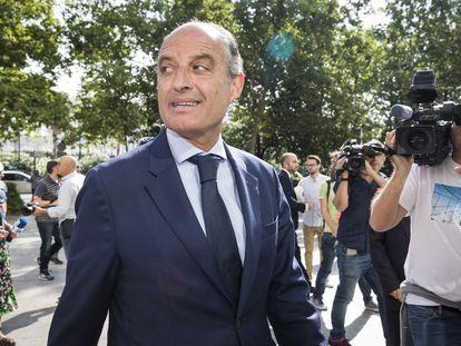 El expresidente de la Generalitat Francisco Camps llega a los juzgados en junio de 2019 para declarar por las adjudicaciones durante la visita del Papa.