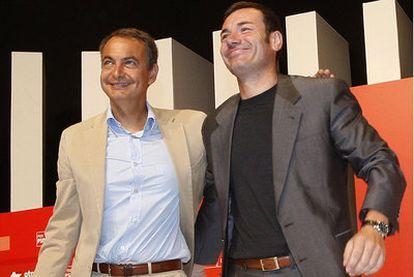 Zaptero y Gómez, en el congreso del PSM de 2008, donde este fue reelegido secretario geenral.