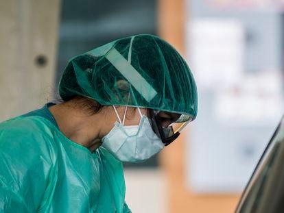 Personal sanitario en el Complexo Hospitalario Universitario A Coruña.