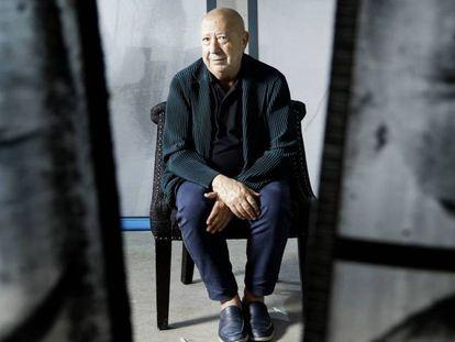 El artista Christian Boltanski en su estudio en Malakoff, en las afueras de París. En vídeo, su entrevista con Babelia.