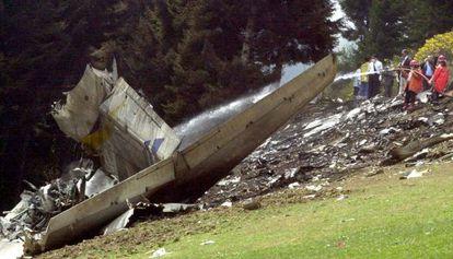 Restos del avión militar Yakolev 42 en el que regresaban de Afganistán 62 militares en mayo de 2003.