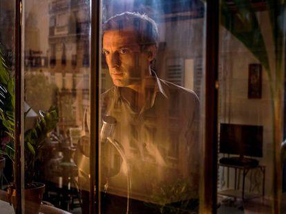 Mathieu Kassovitz como Guillaume Debailly, en un momento de 'Oficina de infiltrados'.