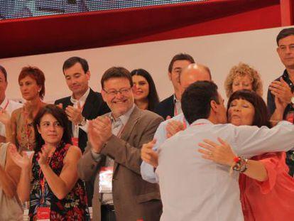 Gómez Besteiro, primero por la derecha, hoy durante el Congreso del PSOE.
