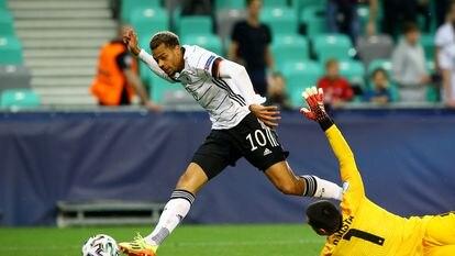 Nmecha bate a Diego Costa (Portugal) para coronar a Alemania en la Eurocopa Sub-21.