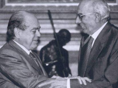 Jordi Pujol, junto a Josep Benet, en el Palau de la Generalitat, en una imagen de archivo.