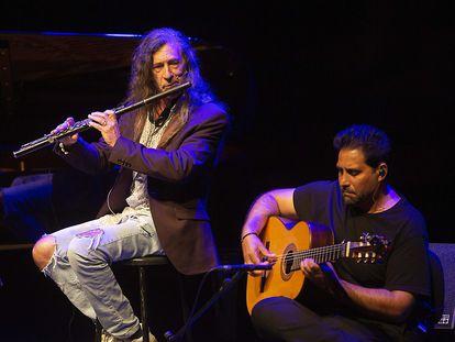 Niño Josele y Jorge Pardo actúan en el Kursaal durante el festival Jazzaldia.