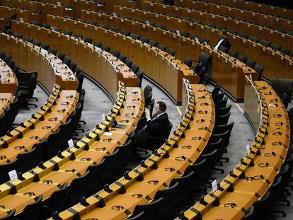 Miembros del Parlamento Europeo durante una sesión plenaria, en Bruselas, el pasado 26 de marzo.