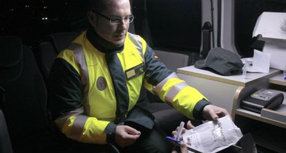 Un control de alcoholemia y drogas de la Guardia Civil en Madrid.