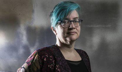 Cathy O'Neil es matemática, científica de datos y activista. Se hizo mundialmente conocida tras publicar 'Weapons of Math Destruction',  donde describe hasta qué punto los algoritmos perjudican a los más pobres.