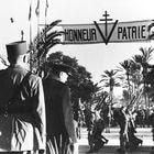 De Gaulle y Churchill ven desfilar las tropas francesas en Marraquech (Marruecos), en enero de 1944.