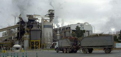 Fábrica de celulosa en Huelva.