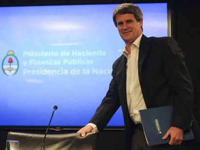 Alfonso Prat Gay, al arribar a su última rueda de prensa.