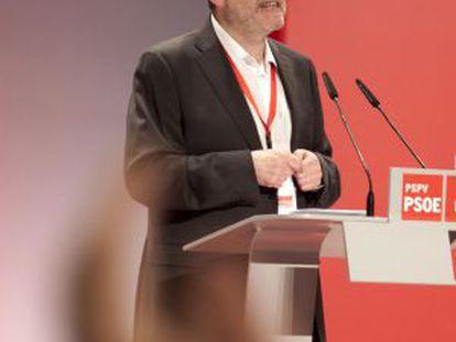 Ximo Puig se dirige a los delegados del congreso antes de la votación.