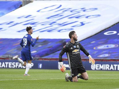Mount festeja su gol ante la impotencia de De Gea.