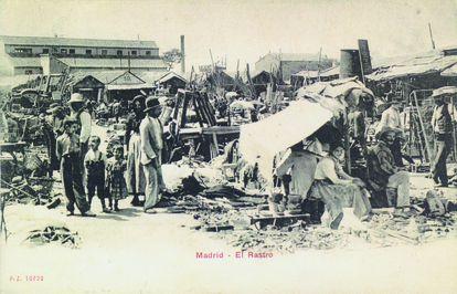 Imagen antigua del Rastro de Madrid.