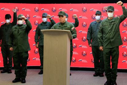 The Defense Minister of Venezuela, Vladimir Padrino López (c), confirmed the event this Saturday at a press conference.