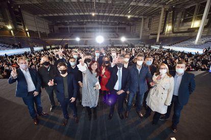 Una imagen de Alberto Fernández con Cristina Fernández y las autoridades de la provincia de Buenos Aires, este jueves.