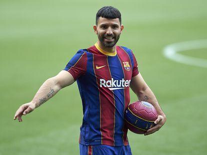 Agüero, en su presentación en el Camp Nou.