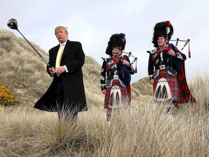 Donald Trump en Balmedie (Escocia) en 2010, antes de construir su campo de golf.