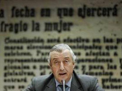 El presidente de RENFE, Julio Gómez-Pomar, durante su comparecencia ante la Comisión de Presupuestos en el Senado.