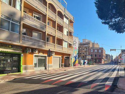 El paso de peatones pintado por el Ayuntamiento de Algemesí (Valencia).