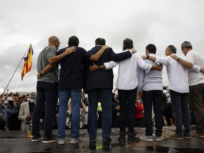 Dirigentes catalanes indultados, tras abandonar la prisión el pasado 23 de junio.