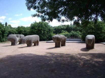 Monumento de los Toros de Guisando, en el municipio de El Tiemblo.