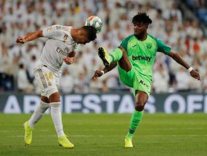 Los blancos también aprovechan el aplazamiento del clásico para golear a un rival que, como el Valladolid en el Camp Nou, hizo cambios y entregó rápido la cuchara