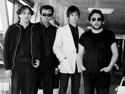 The Stranglers en 1980. De izquierda a derecha: Dave Greenfield, Hugh Cornwell, Jean-Jacques Burnel y Jet Black.